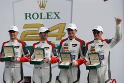 Victory lane: #54 CORE autosport ORECA LMP2: Jon Bennett, Colin Braun, Romain Dumas, Loic Duval