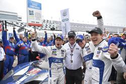 #67 Chip Ganassi Racing Ford GT, GTLM: Ryan Briscoe, Richard Westbrook, Scott Dixon en Chip Ganassi