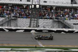 Checkerd flag for #5 Action Express Racing Cadillac DPi: Joao Barbosa, Filipe Albuquerque, Christian Fittipaldi
