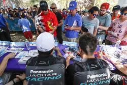 Nelson Piquet Jr., Jaguar Racing, Mitch Evans, Jaguar Racing at the autograph session