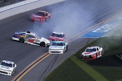 Incidente per Austin Cindric, Roush Fenway Racing, Pirtek Ford Mustang, Christopher Bell, Joe Gibbs Racing, Rheem Toyota Camry