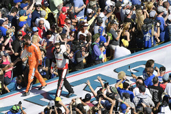 Corey LaJoie, TriStar Motorsports Chevrolet Camaro, Brad Keselowski, Team Penske Ford Fusion
