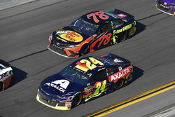William Byron, Hendrick Motorsports, AXALTA Chevrolet Camaro, Martin Truex Jr., Furniture Row Racing Toyota