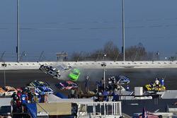 Chase Elliott, Hendrick Motorsports Chevrolet Camaro, Kasey Kahne, Leavine Family Racing Chevrolet Camaro, and Danica Patrick, Premium Motorsports Chevrolet Camaro crash