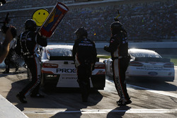Kasey Kahne, Leavine Family Racing Chevrolet Camaro pit stop