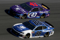 Alex Bowman, Hendrick Motorsports Chevrolet Camaro Darrell Wallace Jr., Richard Petty Motorsports, Click n' Close Chevrolet Camaro