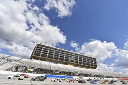 Tyler Reddick, JR Motorsports Chevrolet Camaro e Ryan Truex, Kaulig Racing, Bar Harbor / Sea Watch International Chevrolet Camaro