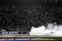 Kevin Harvick, Stewart-Haas Racing, Jimmy John's Ford Fusion, burn out