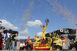 Race winner Joey Logano, Penske Racing Ford