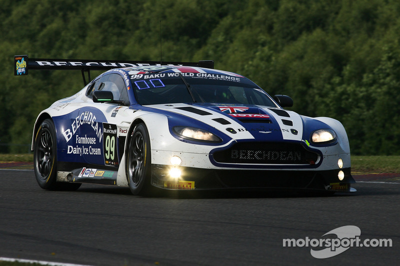 #99 Beechdean AMR Aston Martin Vantage GT3: Andrew Howard, Jonathan Adam, Daniel McKenzie, Stefan Mü