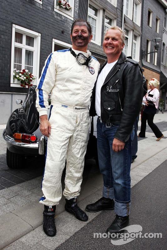 Martin Brundle, Sky Sports e Johnny Herbert, no no evento Back In Time com Shell