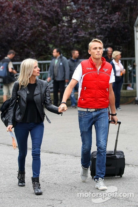 Max Chilton, Marussia F1 Team com sua namorada Chloe Roberts
