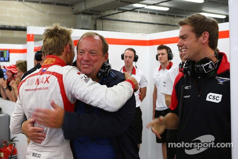 Max Chilton, Marussia F1 Team celebrates reaching Q2 with his father Grahame Chilton, and brother To