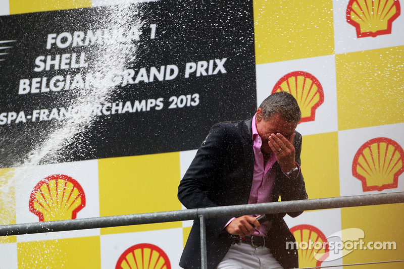 David Coulthard, Red Bull Racing en Scuderia Toro Advisor / BBC-commentator krijgt de volle lading op het podium