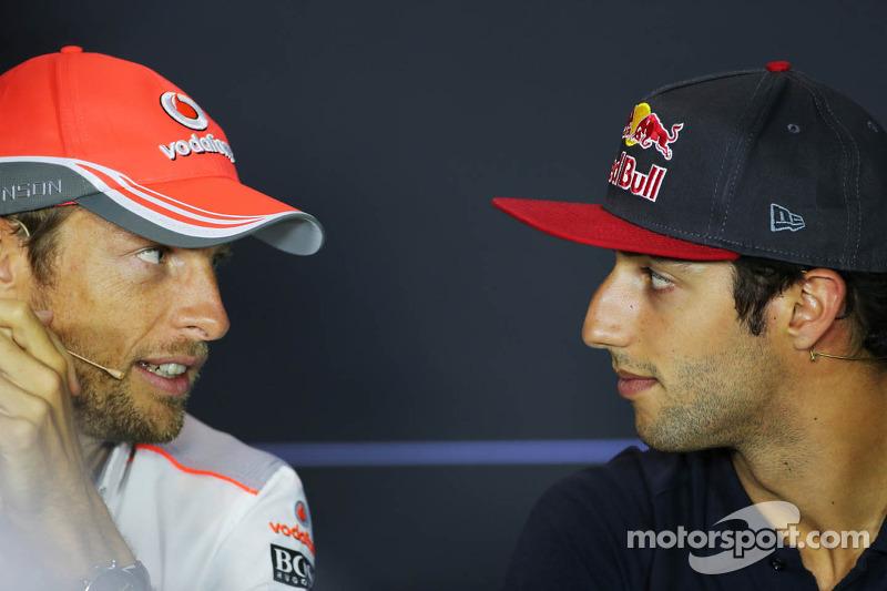 (L to R): Jenson Button, McLaren and Daniel Ricciardo, Scuderia Toro Rosso in the FIA Press Conference