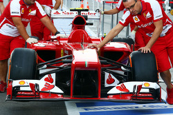 Ferrari F138 asa dianteira
