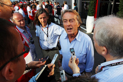 Luca di Montezemolo, Presidente Ferrari, con i media