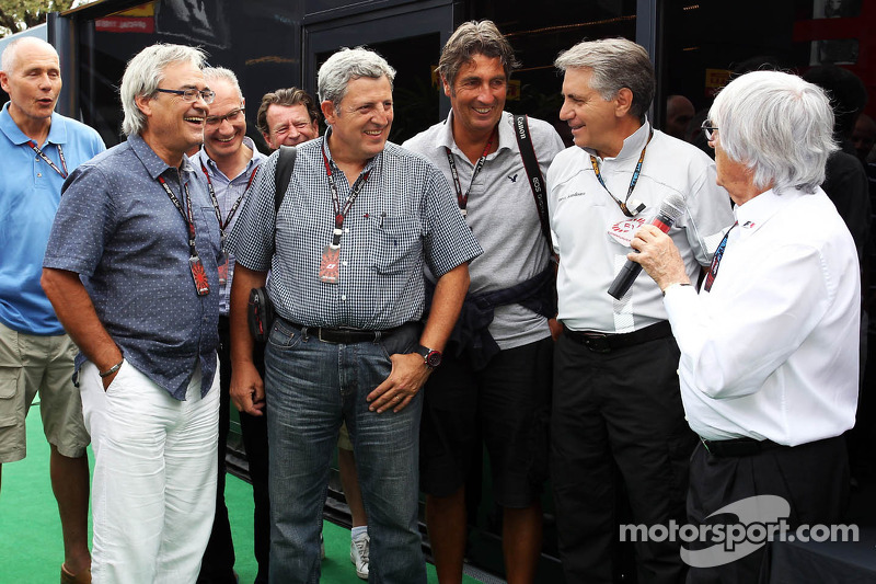 Bernie Ecclestone, CEO Formula One Group, met de pers