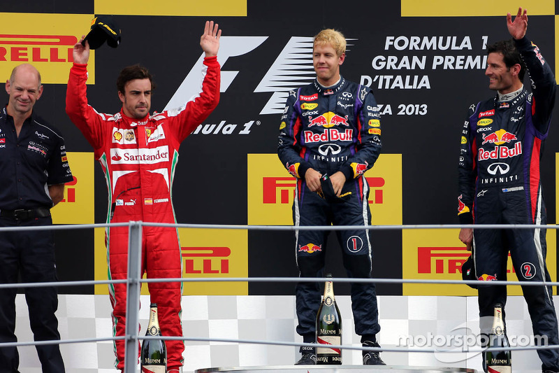 Podium: second place Fernando Alonso, Scuderia Ferrari, race winner Sebastian Vettel, Red Bull Racin