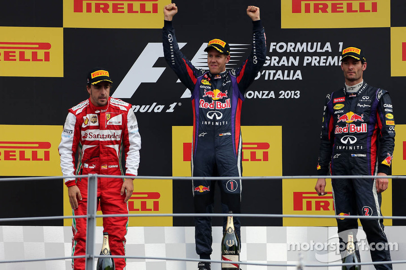 Podium: second place Fernando Alonso, Scuderia Ferrari, race winner Sebastian Vettel, Red Bull Racing and third place Mark Webber, Red Bull Racing