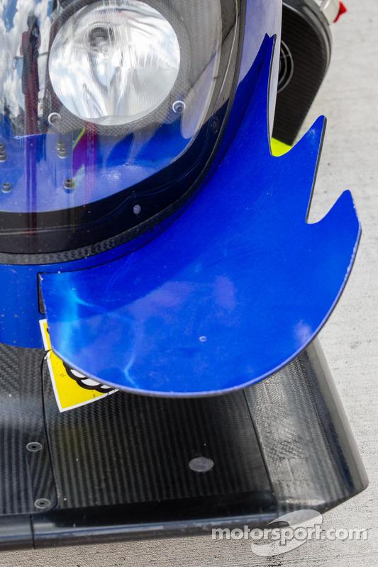 #8 Toyota Racing Toyota TS030 - Hybrid: detalhe da asa dianteira