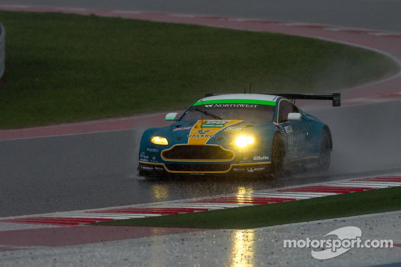 #99 Aston Martin Racing Aston Martin Vantage V8: Bruno Senna, Frédéric Makowiecki