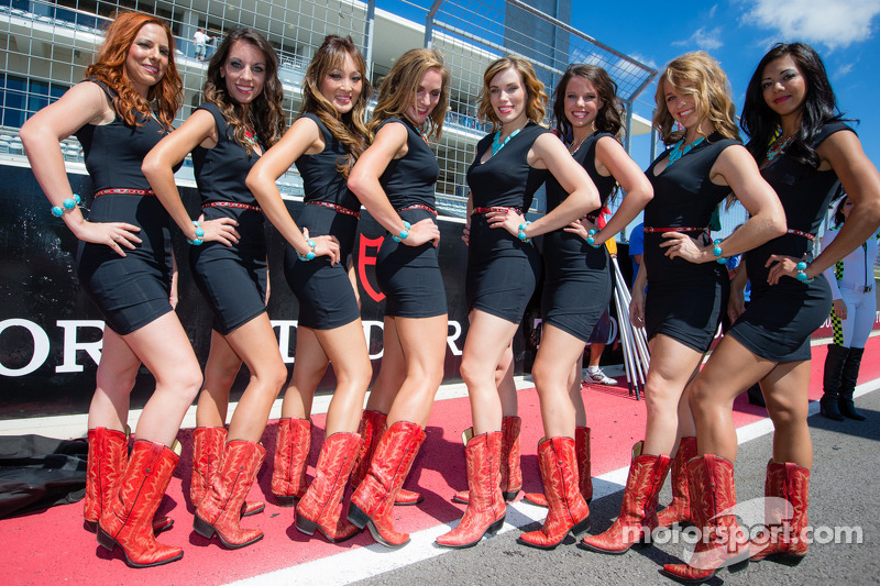 Charming grid girls