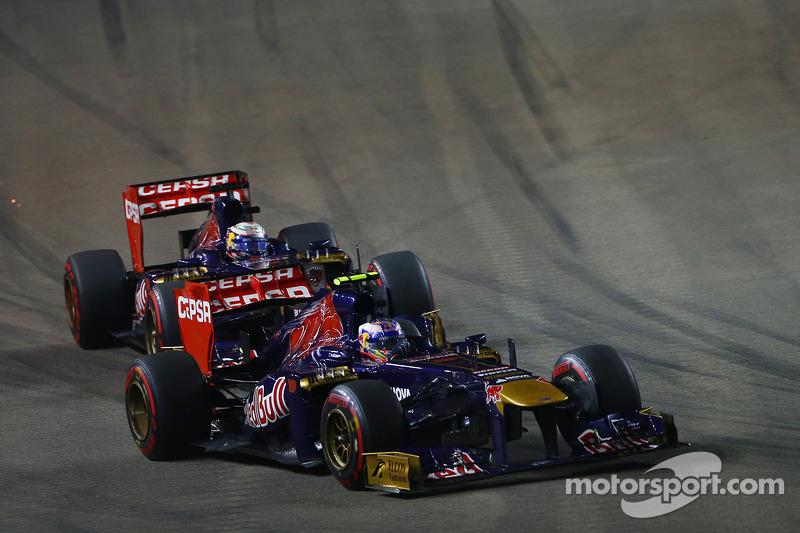 Daniel Ricciardo, Scuderia Toro Rosso STR8 voor Jean-Eric Vergne, Scuderia Toro Rosso STR8