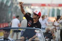 Daniel Ricciardo, Scuderia Toro Rosso on the drivers parade