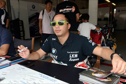 Handtekeningensessie, Darryl O'Young, BMW E90 320 TC, ROAL Motorsport