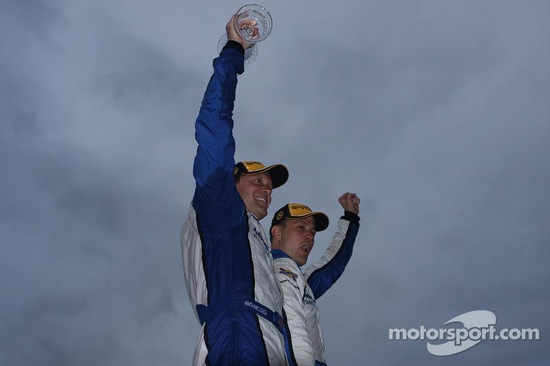 Kampioenen - #23 Burton Racing BMW 128i: Terry Borcheller, Mike LaMarra