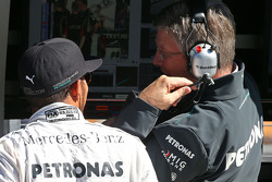 Lewis Hamilton, Mercedes AMG F1 with Ross Brawn, Mercedes AMG F1 Team Principal