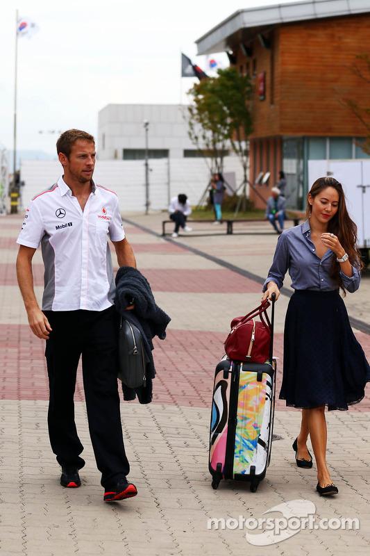 (L to R): Jenson Button, McLaren with girlfriend Jessica Michibata