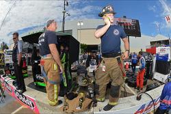 De brandweer reageert op Dario Franchitti's crash