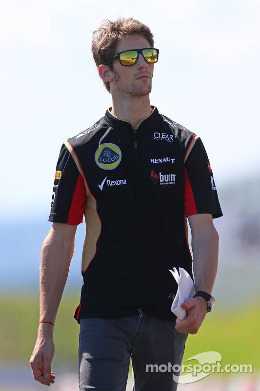 Romain Grosjean, Lotus F1 Team caminha no circuito