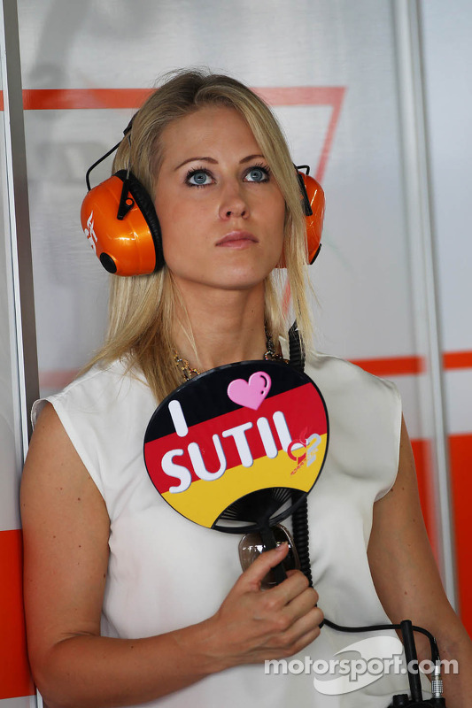 Jennifer Beck, namorada de Adrian Sutil, Sahara Force India F1