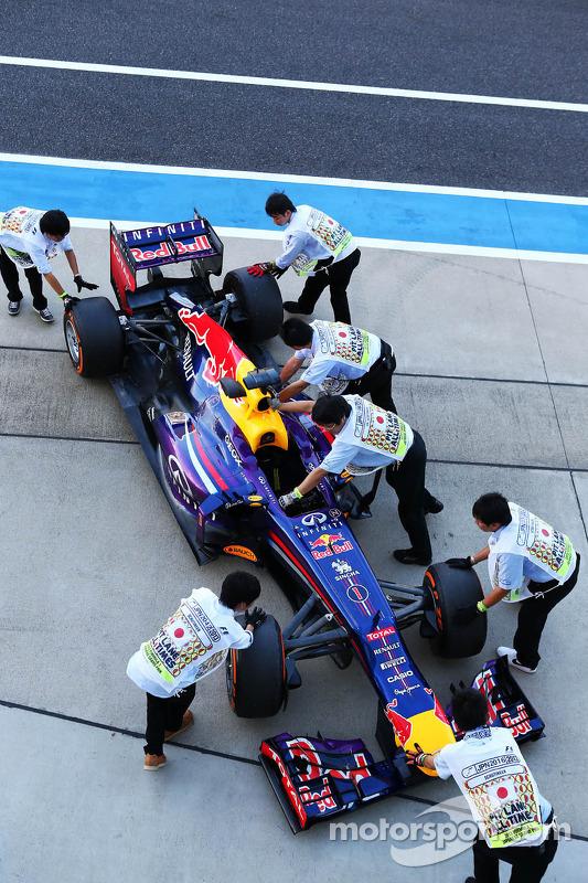 Red Bull Racing RB9 van Sebastian Vettel, Red Bull Racing bij de technische keuring