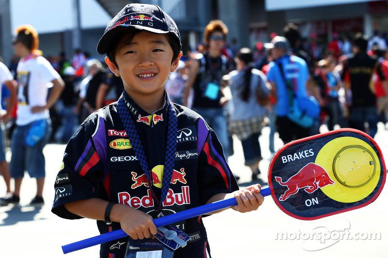 Een jonge Red Bull Racing fan
