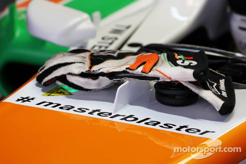 Adrian Sutil, Sahara Force India VJM06 met de hashtag #masterblaster als eerbetoon aan de legendaris