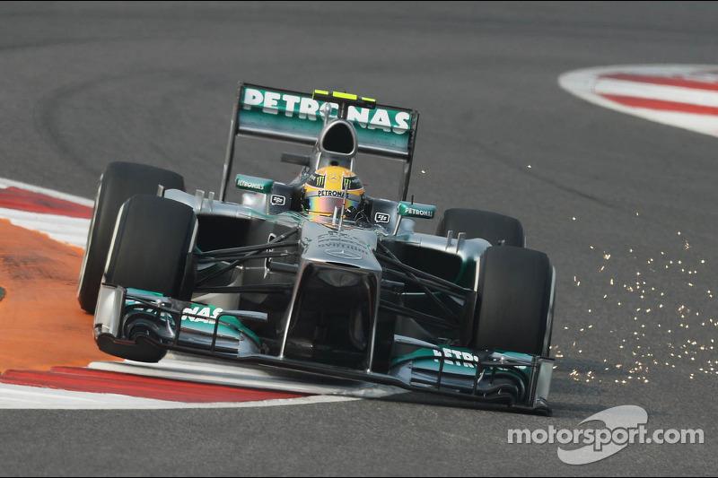 Funkenflug: Lewis Hamilton, Mercedes AMG F1 W04