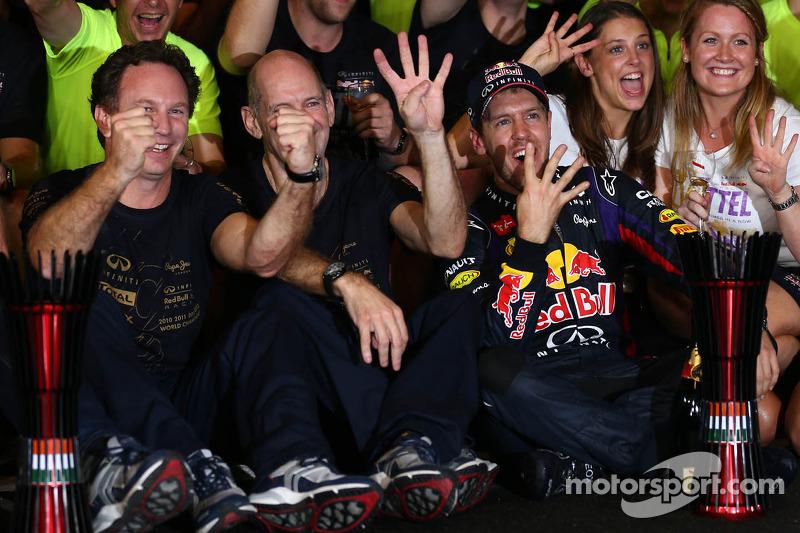Себастьян Феттель, Red Bull Racing ,святкує свій 4-й титул з командою