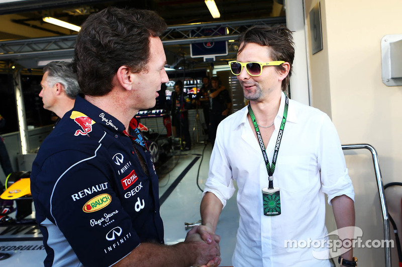 (L naar R): Christian Horner, Teambaas Red Bull Racing met Matthew Bellamy, Muse