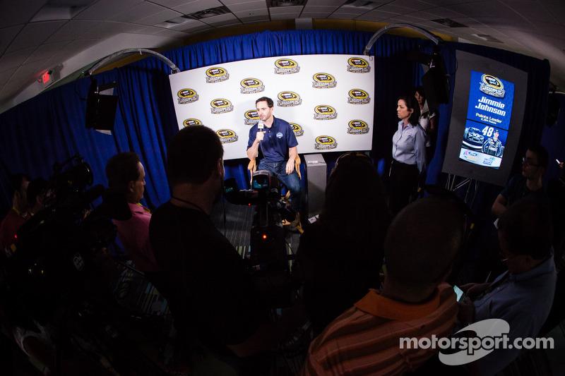 Persconferentie titelfavorieten: Jimmie Johnson, Hendrick Motorsports Chevrolet