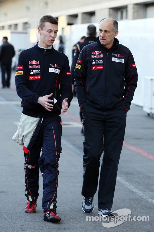 (Da esquerda para direita): Daniil Kvyat, Scuderia Toro Rosso, com Franz Tost, chefe de equipe da Scuderia Toro Rosso