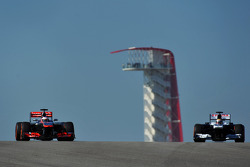 Jenson Button, McLaren MP4-28 and Pastor Maldonado, Williams FW35