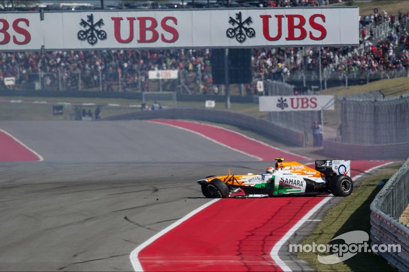 Adrian Sutil, Sahara Force India VJM06 valt uit na een crash