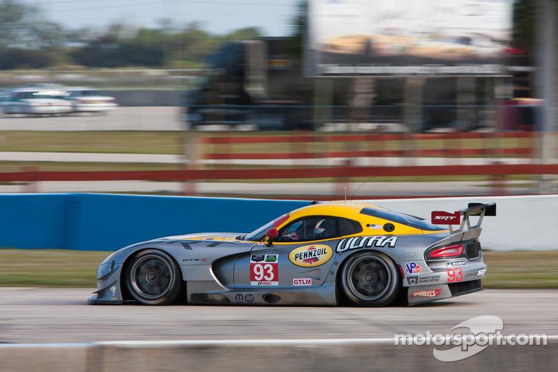 #93 SRT Motorsports SRT Viper GTS-R: Marc Goossens, Kuno Wittmer