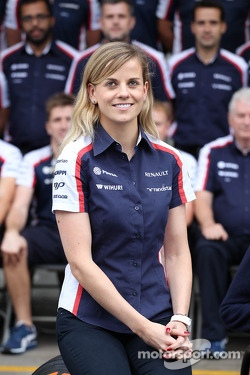 Susie Wolff, Williams Development Driver in a team photograph