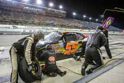 Pit stop for Jamie Dick