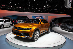 VOLKSWAGEN VW CROSSBLUE COUPE CONCEPT
